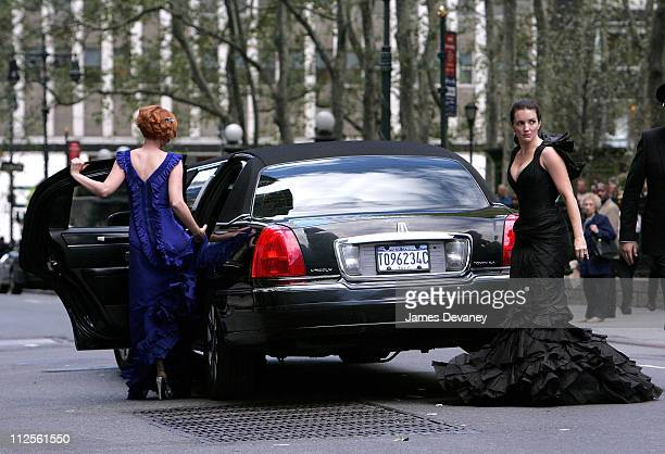 Cynthia Nixon and Kristin Davis on the set of 'Sex and the City The Movie' on October 12 2007 in New York City