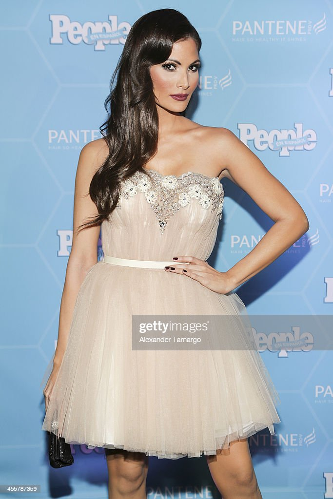 Cynthia Olavarria arrives at the Estrellas Del Ano De People En Espanol party at The James Royal Palm Hotel on December 12, 2013 in Miami, Florida.