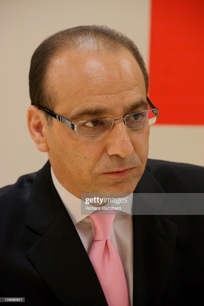 Cyprus-born British entrepreneur Theo Paphitis, circa 2009.