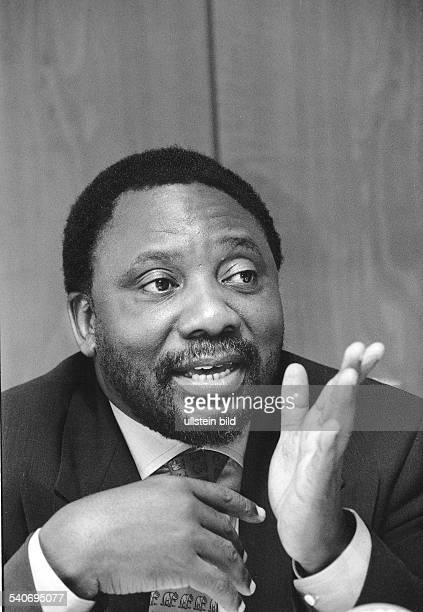 Cyril Ramaphosa ehemaliger Gewerkschaftsführer ANCGeneralsekretär und jetzige Wirtschaftsführer aus Südafrika bei einer Rede in Hamburg Er wirbt um...