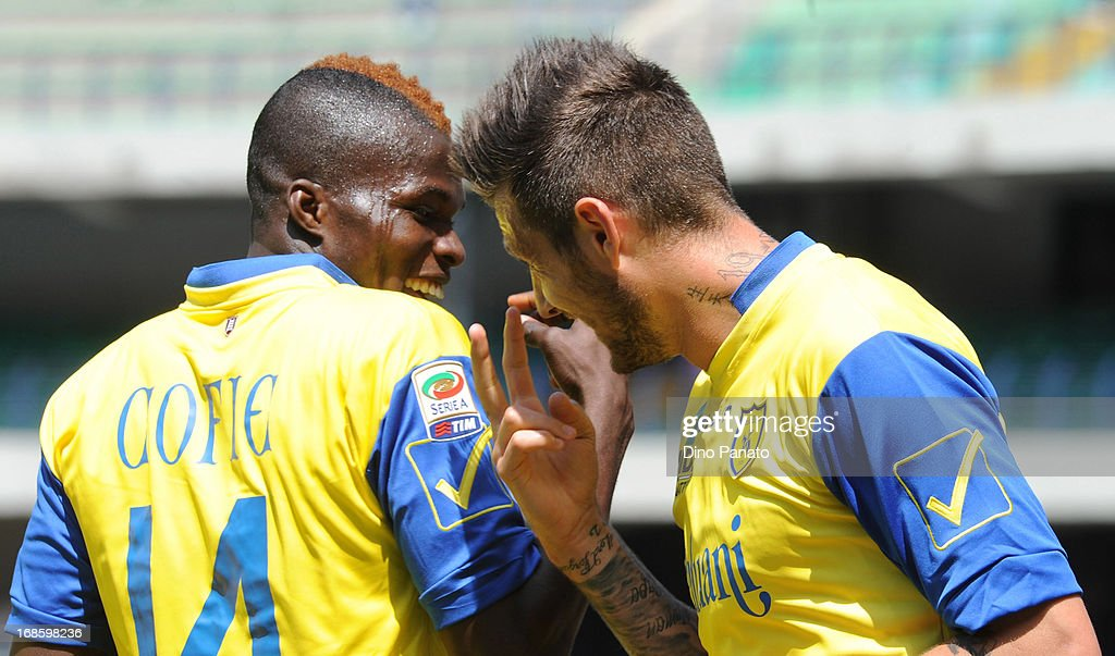 <a gi-track='captionPersonalityLinkClicked' href=/galleries/search?phrase=Cyril+Thereau&family=editorial&specificpeople=4063877 ng-click='$event.stopPropagation()'>Cyril Thereau</a> (R) of AC Chievo celebrate with is team - mate Isaac Cofie after scoring his opening goal during the Serie A match between AC Chievo Verona and Torino FC at Stadio Marc'Antonio Bentegodi on May 12, 2013 in Verona, Italy.