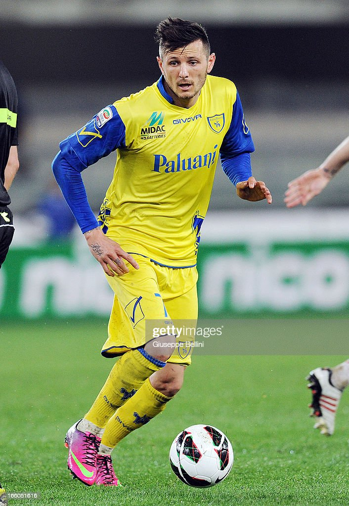 Cyril Thereau of Chievo in acton during the Serie A match between AC Chievo Verona and AC Milan at Stadio Marc'Antonio Bentegodi on March 30, 2013 in Verona, Italy.