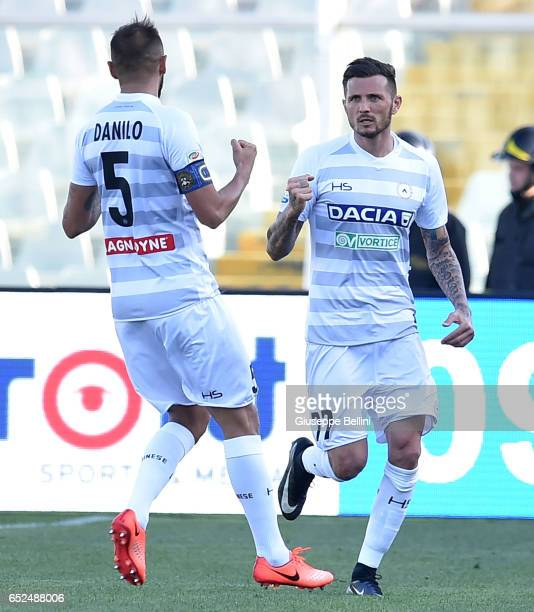 Cyril Thereau of Udinese Calcio celebrates after scoring the goal 03 during the Serie A match between Pescara Calcio and Udinese Calcio at Adriatico...