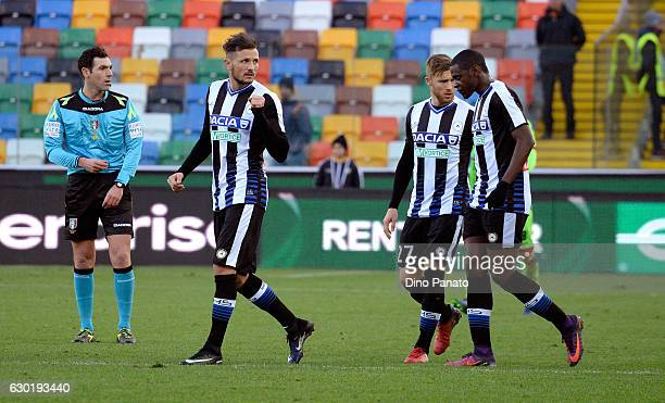 Cyril Thereau of Udinese Calcio celebrates with his team mates after scoring the opening goal during the Serie A match between Udinese Calcio and FC...