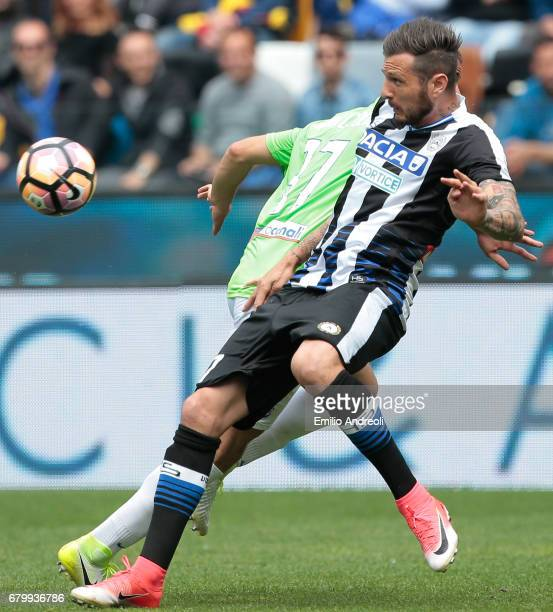 Cyril Thereau of Udinese Calcio controls the ball during the Serie A match between Udinese Calcio and Atalanta BC at Stadio Friuli on May 7 2017 in...