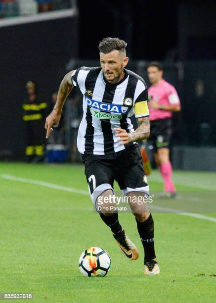 Cyril Thereau of Udinese Calcio l in action during the Serie A match between Udinese Calcio and AC Chievo Verona at Friuli Stadium on August 20 2017...