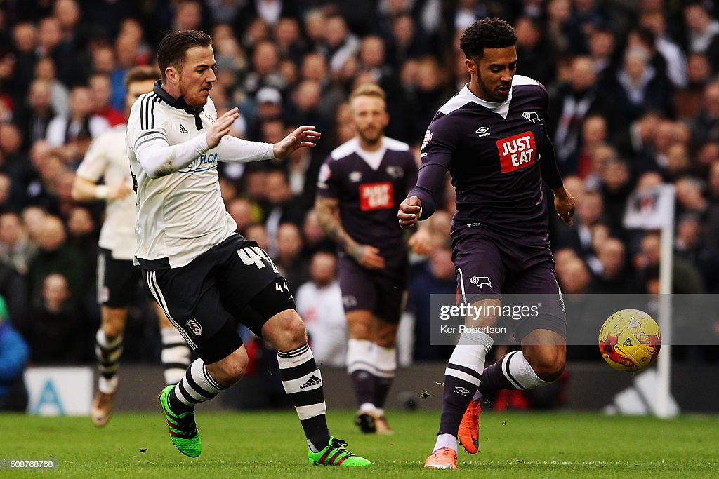 <a gi-track='captionPersonalityLinkClicked' href=/galleries/search?phrase=Cyrus+Christie&family=editorial&specificpeople=8534118 ng-click='$event.stopPropagation()'>Cyrus Christie</a> (R) of Derby County holds off the challenge of <a gi-track='captionPersonalityLinkClicked' href=/galleries/search?phrase=Ross+McCormack+-+Voetballer&family=editorial&specificpeople=13496004 ng-click='$event.stopPropagation()'>Ross McCormack</a> (L) of Fulham during the Sky Bet Championship match between Fulham and Derby County at Craven Cottage on February 6, 2016 in London, England.