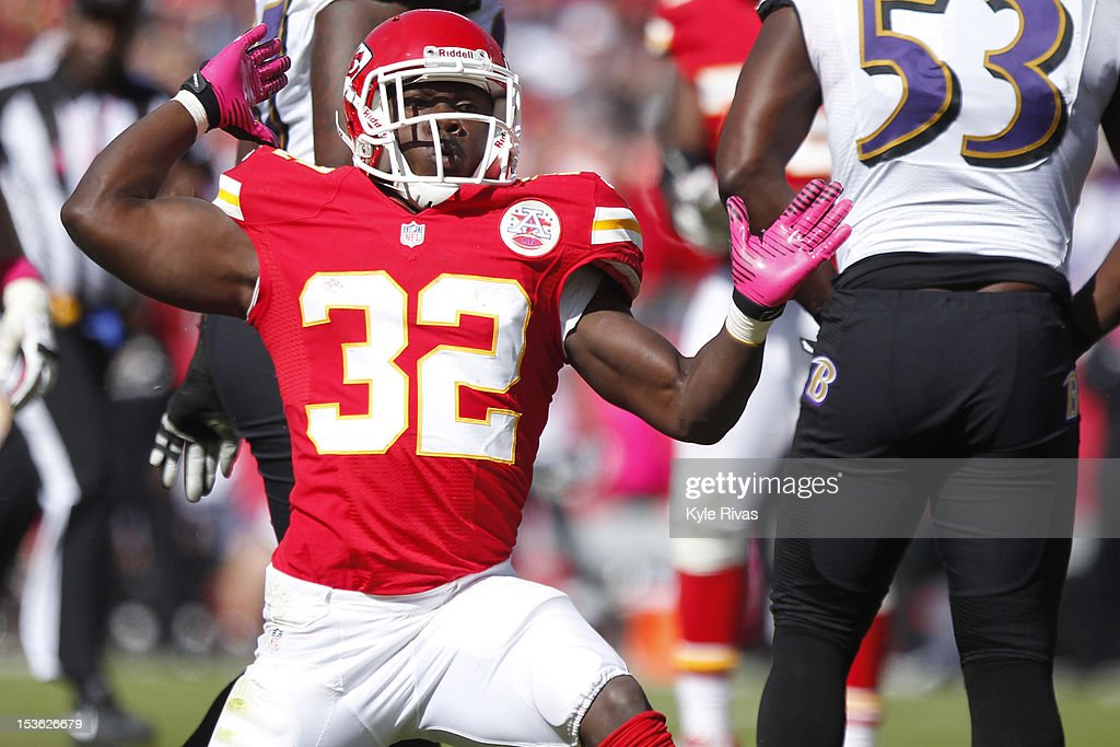 Cyrus Gray #32 of the Kansas City Chiefs gives the first down signal after making a reception near the twenty five yard line against the Baltimore Ravens defense midway in the fourth quarter on October 07, 2012 at Arrowhead Stadium in Kansas City, Missouri.