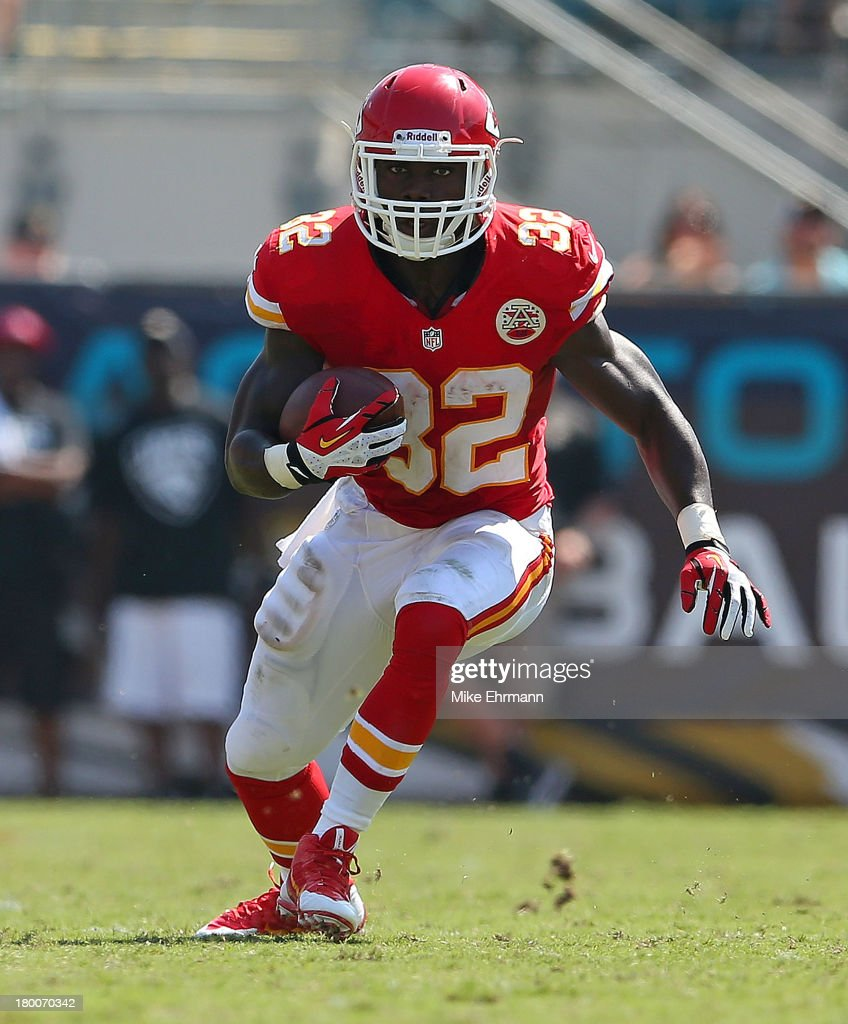 <a gi-track='captionPersonalityLinkClicked' href=/galleries/search?phrase=Cyrus+Gray&family=editorial&specificpeople=5573455 ng-click='$event.stopPropagation()'>Cyrus Gray</a> #32 of the Kansas City Chiefs rushes during a game against the Jacksonville Jaguars at EverBank Field on September 8, 2013 in Jacksonville, Florida.