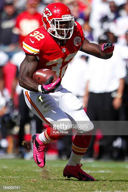 Cyrus Gray of the Kansas City Chiefs turns up the field after a reception against the Baltimore Ravens in the fourth quarter on October 07 2012 at...