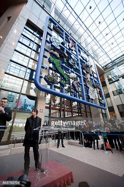 Czech Artist David Cerny is talking to European Media about his piece of art 'ENTROPA' that is display in the lobby of the European Council'