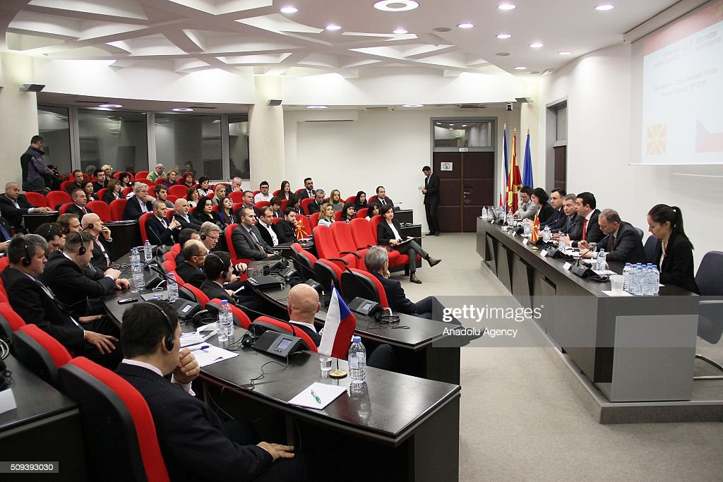 Czech Foreign Minister Lubomir Zaoralek (R 4) and Macedonian Foreign Minister Nikola Poposki (R 3) are seen during a meeting on the European Refugee Crisis in Skopje, Macedonia on February 10, 2016.