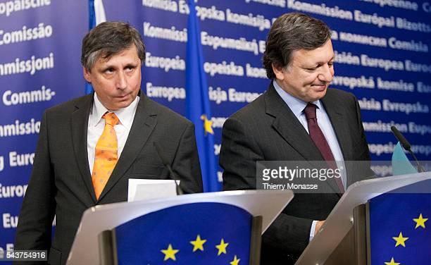 Czech Premier Jan FISCHER and European Commission President Jose Manuel BARROSO participate in a media conference at EU Commission headquarters...