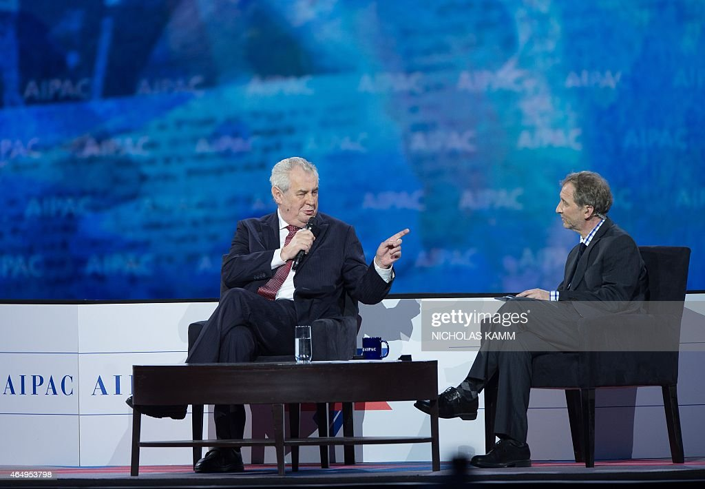 Czech President Milos Zeman (L) addresses the American Israel Public Affairs Committee (AIPAC) policy conference with David Horovitz in Washington, DC, on March 2, 2015.. AFP PHOTO/NICHOLAS KAMM