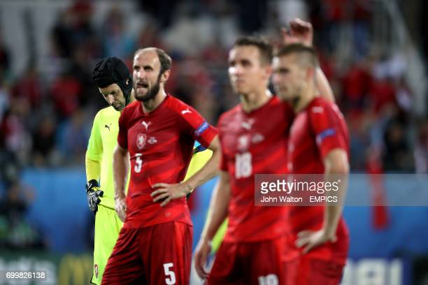 Czech Republic goalkeeper Petr Cech and teammates stand dejected at the final whistle