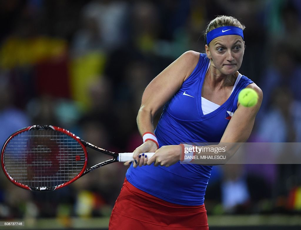 Czech Republic's Petra Klitova returns a ball to Romania's Monica Niculescu during FedCup World Cup first round tennis match at 'Sala Polivalenta Cluj Napoca' hall in Cluj Napoca city February 6, 2015. / AFP / DANIEL MIHAILESCU