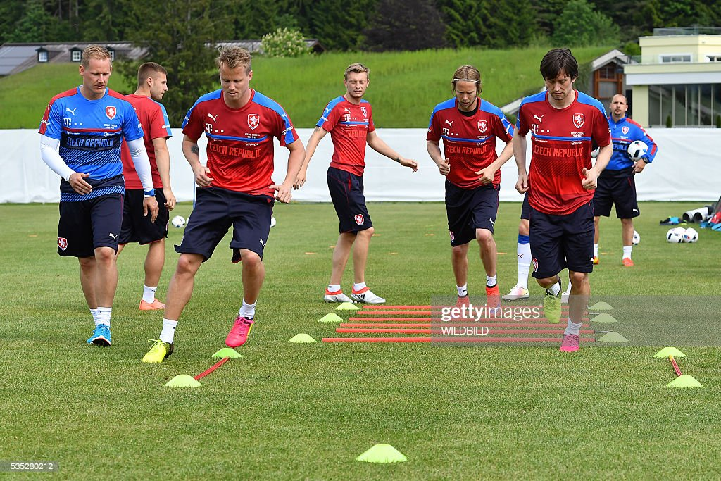 Czech Republic's players attend a training session in Koessen, Austria, on May 29, 2016, preparing for the upcoming Euro 2016 European football championships. / AFP / Wildbild