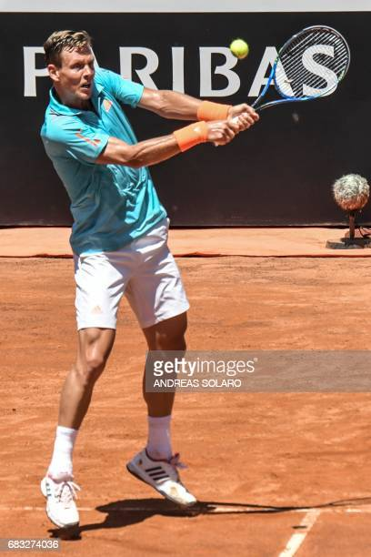 Czech Republic's Tomas Berdych returns the ball to Germany's Mischa Zverev during their tennis match at the ATP Tennis Open tournament on May 15 2017...