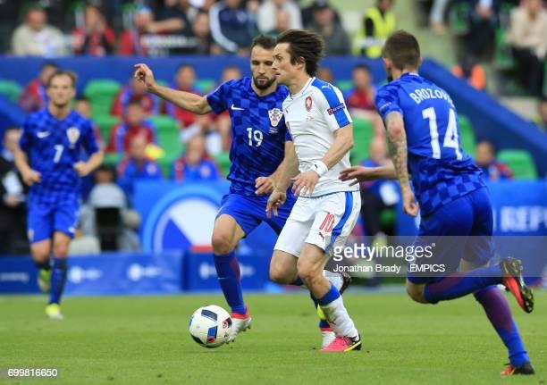 Czech Republic's Tomas Rosicky and Croatia's Milan Badelj
