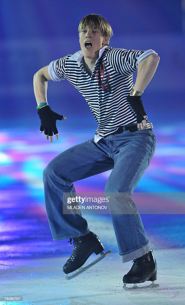 Czech Republic's Tomas Verner performs an exhibition program at the Dom Sportova Arena in Zagreb 27 January 2008 during the gala of the European...
