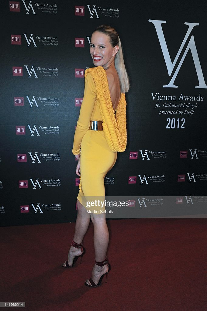 Czech top model <a gi-track='captionPersonalityLinkClicked' href=/galleries/search?phrase=Karolina+Kurkova&family=editorial&specificpeople=202513 ng-click='$event.stopPropagation()'>Karolina Kurkova</a> attends the Vienna Awards For Fashion & Lifestyle at Museumsquartier on March 26, 2012 in Vienna, Austria.