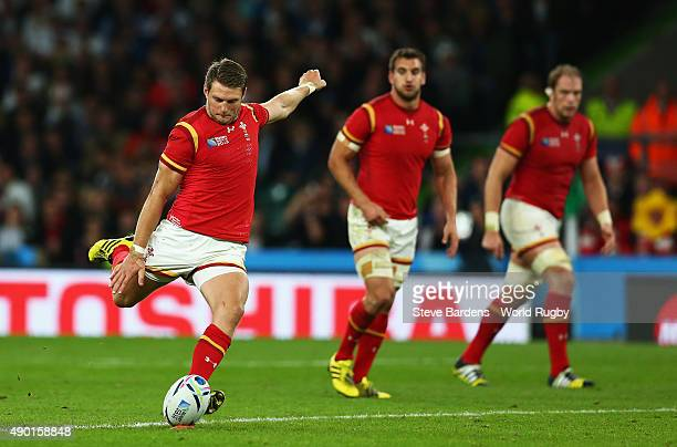 Da n Biggar of Wales takes a kick during the 2015 Rugby World Cup Pool A match between England and Wales at Twickenham Stadium on September 26 2015...
