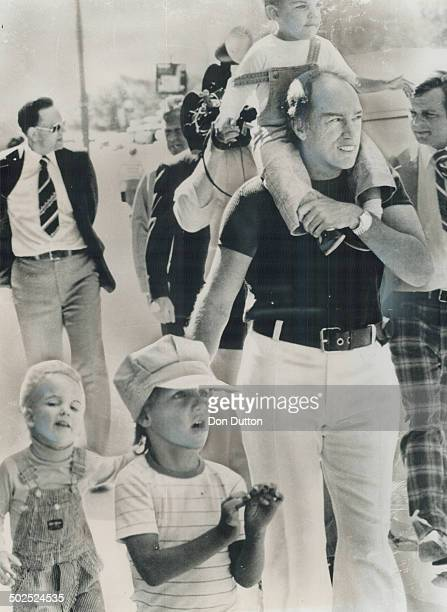 A dad strolling with his kids doesn't normally draw much attention except when it's Prime Minister Pierre Trudeau and sons Sacha 4 Justin 5 and...