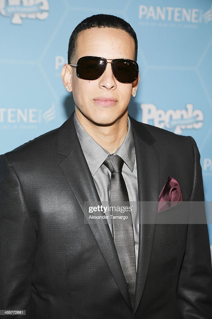 <a gi-track='captionPersonalityLinkClicked' href=/galleries/search?phrase=Daddy+Yankee&family=editorial&specificpeople=211185 ng-click='$event.stopPropagation()'>Daddy Yankee</a> arrives at the Estrellas Del Ano De People En Espanol party at The James Royal Palm Hotel on December 12, 2013 in Miami, Florida.