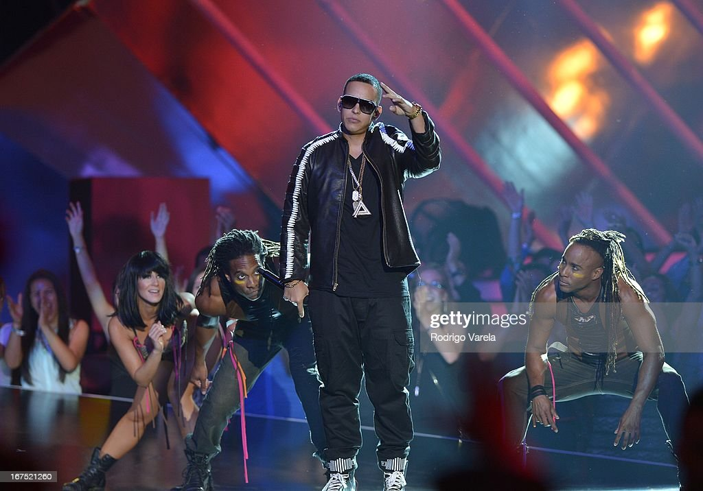 <a gi-track='captionPersonalityLinkClicked' href=/galleries/search?phrase=Daddy+Yankee&family=editorial&specificpeople=211185 ng-click='$event.stopPropagation()'>Daddy Yankee</a> performs at Billboard Latin Music Awards 2013 at Bank United Center on April 25, 2013 in Miami, Florida.
