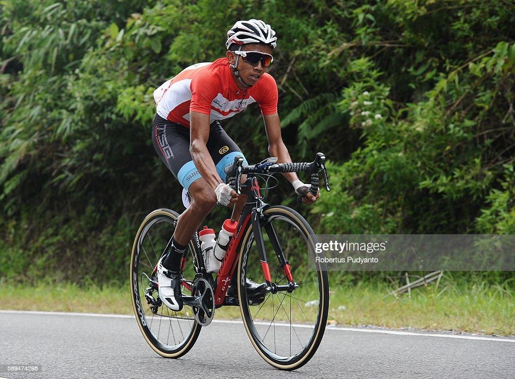 Dadi Suryadi of Terengganu Cycling Team competes during stage eight of the 2016 Tour de Singkarak Bukittinggi Padang 146 km on August 14 2016 in...