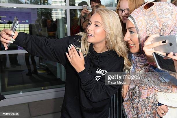Dagi Bee with fans during the 'Glossycon' on September 3 2016 in Berlin Germany