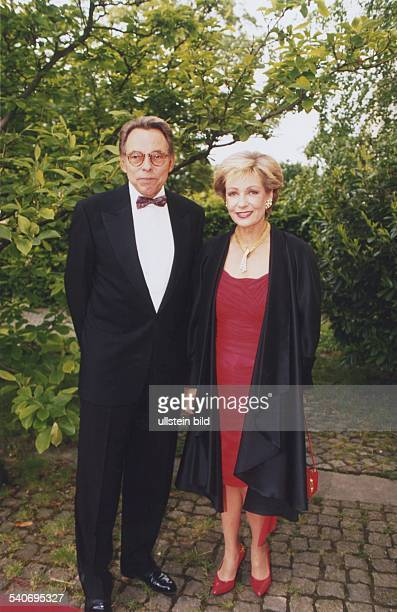 Dagmar Berghoff *Journalistin Moderatorin Dund ihr Ehemann Peter 'Pit' Matthaes beide in Abendgarderobe