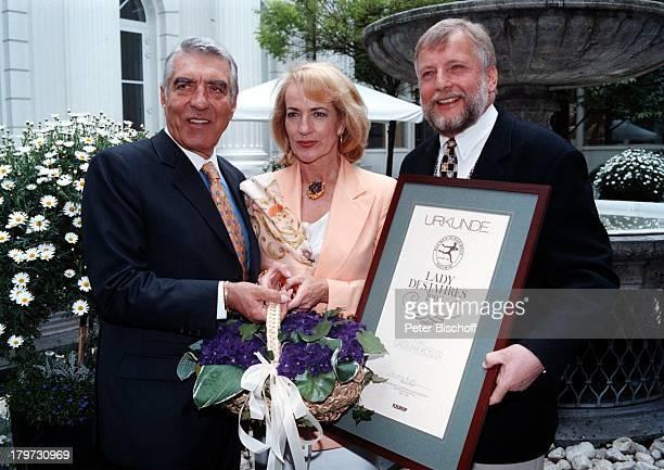 Dagmar Koller mit Ehemann Dr Helmut Zilk Bürgermeister von Wien FleuropPräsident Ludwig Angeli 'FleuropLady 1996' Eliza Doolittle in'My fair Lady'...