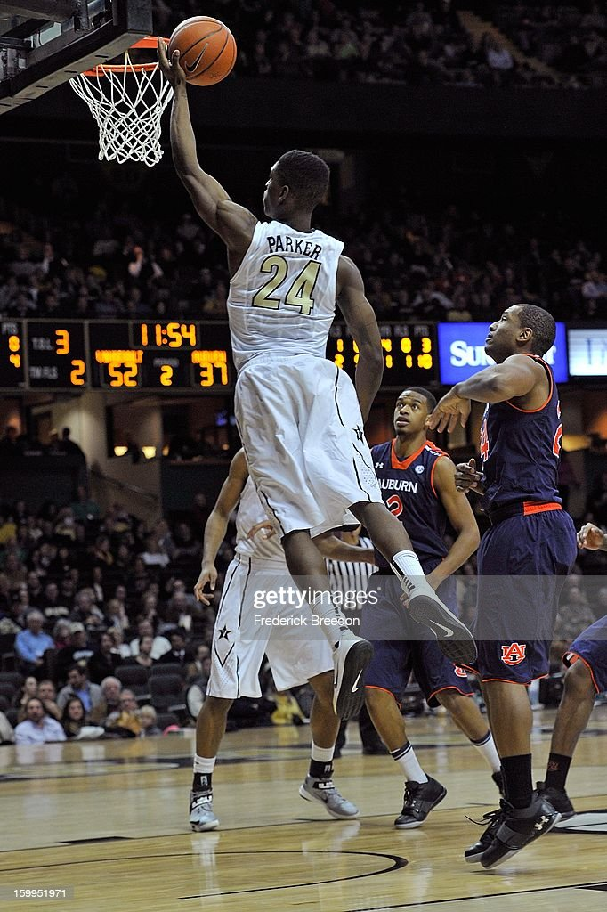 Dai-Jon Parker #24 of the Vanderbilt Commodores goes up for a layup against the Auburn Tigers at Memorial Gym on January 23, 2013 in Nashville, Tennessee.