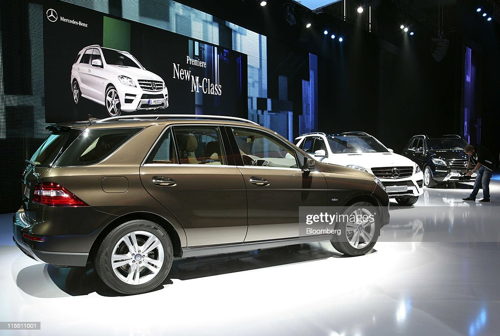 Mercedes m class vehicle unveiled to board members for for Mercedes benz credit corp