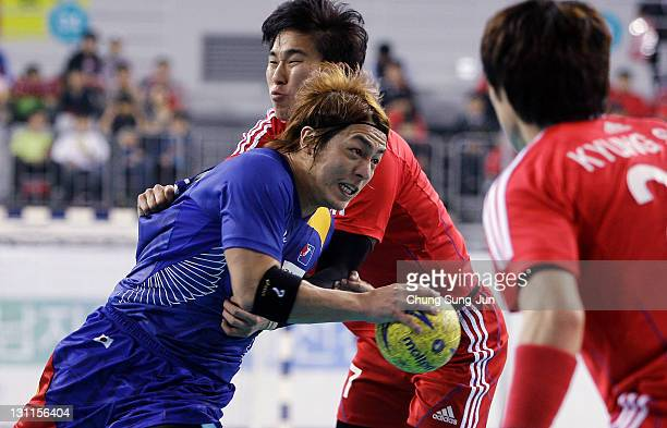 Daisuke Miyazaki of Japan in action during the London Olympic Men's Handball Asian Qualifier Final match between Japan and South Korea at the Olympic...