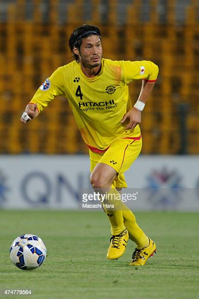 Daisuke Suzuki Kashiwa Reysol in action during the AFC Champions League Round of 16 match between Kashiwa Reysol and Suwon Samsung FC at Hitachi...
