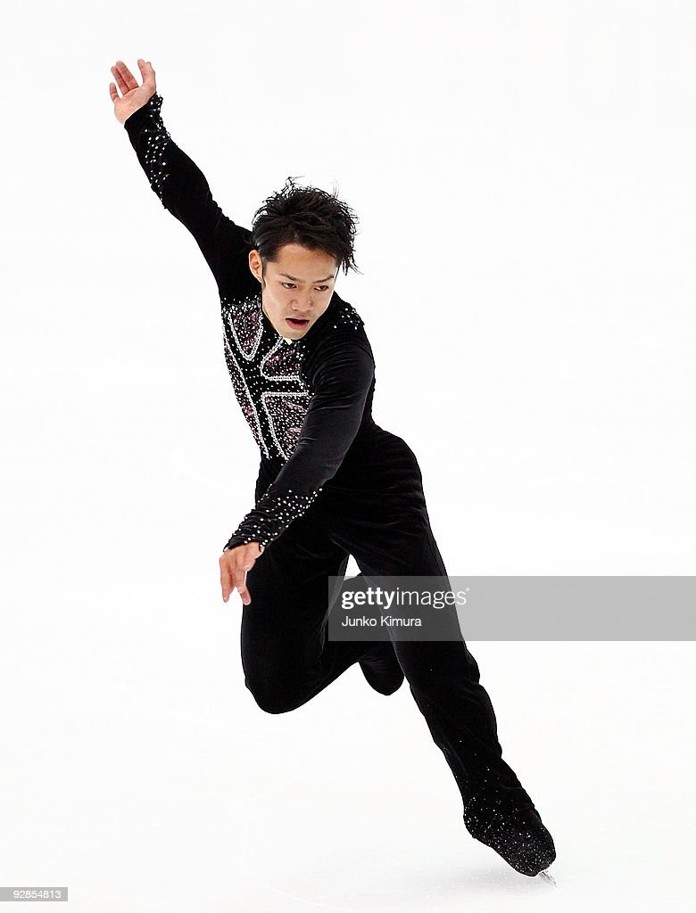 <a gi-track='captionPersonalityLinkClicked' href=/galleries/search?phrase=Daisuke+Takahashi&family=editorial&specificpeople=725172 ng-click='$event.stopPropagation()'>Daisuke Takahashi</a> of Japan performs in the Men Short Program on the day one of ISU Grand Prix of Figure Skating NHK Trophy at Big Hat on November 6, 2009 in Nagano, Japan.