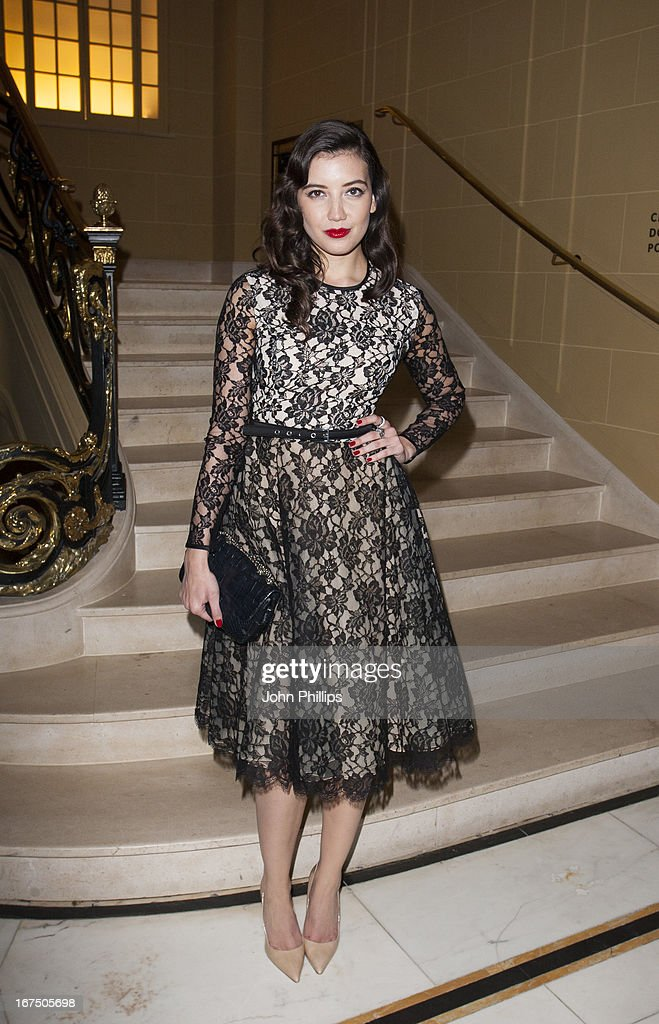 <a gi-track='captionPersonalityLinkClicked' href=/galleries/search?phrase=Daisy+Lowe&family=editorial&specificpeople=787647 ng-click='$event.stopPropagation()'>Daisy Lowe</a> attends a Vogue dinner hosted by Alexandra Shulman in honour of Michael Kors at Cafe Royal on April 25, 2013 in London, England.