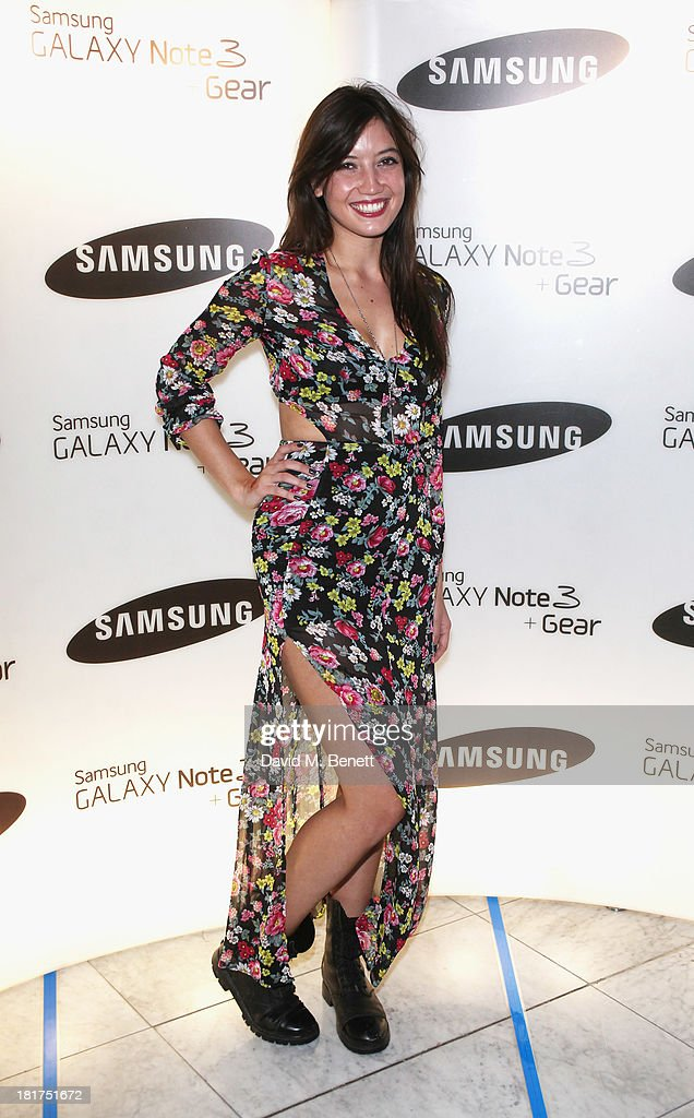 <a gi-track='captionPersonalityLinkClicked' href=/galleries/search?phrase=Daisy+Lowe&family=editorial&specificpeople=787647 ng-click='$event.stopPropagation()'>Daisy Lowe</a> attends the Samsung Galaxy Gear and Note 3 launch event at the Radio Rooftop Bar, Hotel Me London on September 24, 2013 in London, England.