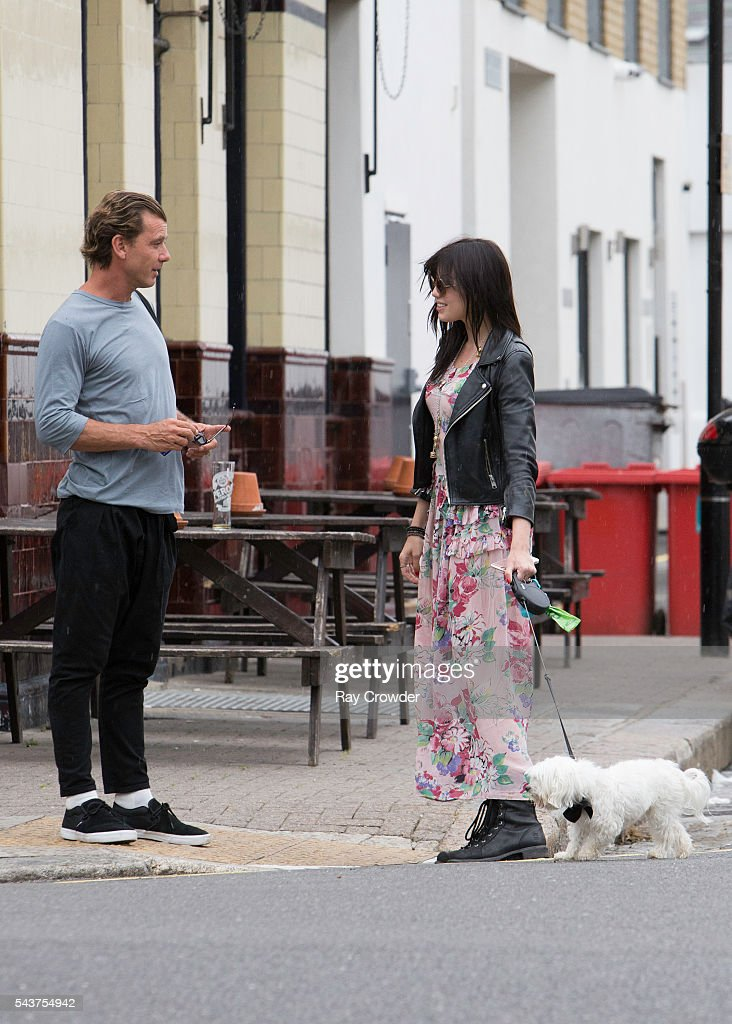 <a gi-track='captionPersonalityLinkClicked' href=/galleries/search?phrase=Daisy+Lowe&family=editorial&specificpeople=787647 ng-click='$event.stopPropagation()'>Daisy Lowe</a> is seen reuniting with her father <a gi-track='captionPersonalityLinkClicked' href=/galleries/search?phrase=Gavin+Rossdale&family=editorial&specificpeople=203016 ng-click='$event.stopPropagation()'>Gavin Rossdale</a> on June 28, 2016 in London, United Kingdom.