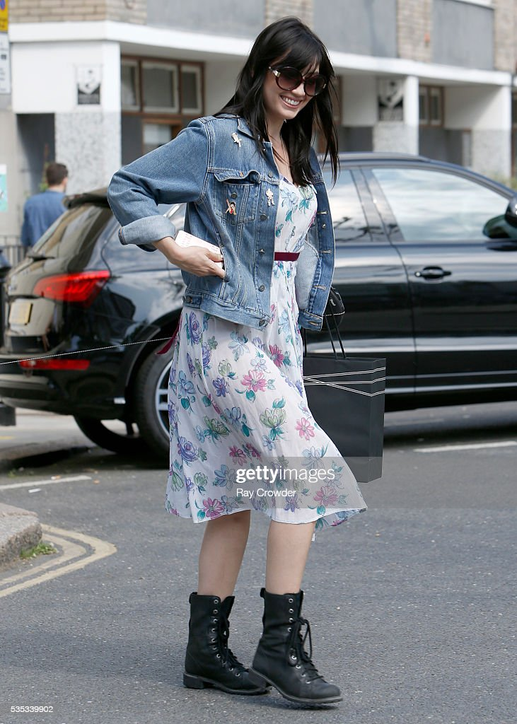 <a gi-track='captionPersonalityLinkClicked' href=/galleries/search?phrase=Daisy+Lowe&family=editorial&specificpeople=787647 ng-click='$event.stopPropagation()'>Daisy Lowe</a> sighting on May 27, 2016 in London, United Kingdom.