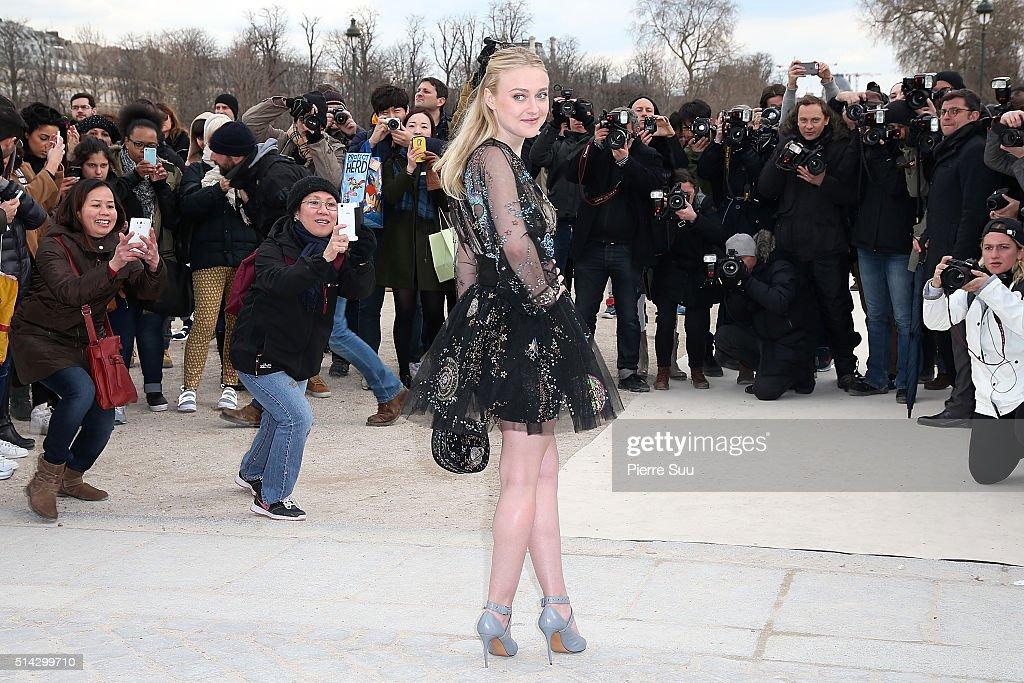 Valentino  : Outside Arrivals - Paris Fashion Week Womenswear Fall/Winter 2016/2017