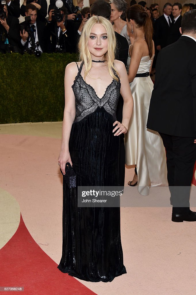 Dakota Fanning attends the 'Manus x Machina: Fashion In An Age Of Technology' Costume Institute Gala at Metropolitan Museum of Art on May 2, 2016 in New York City.