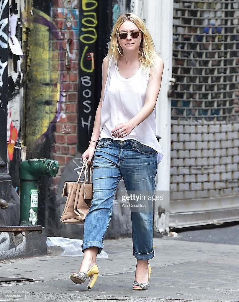 <a gi-track='captionPersonalityLinkClicked' href=/galleries/search?phrase=Dakota+Fanning&family=editorial&specificpeople=203236 ng-click='$event.stopPropagation()'>Dakota Fanning</a> is seen in Soho on August 19, 2014 in New York City.
