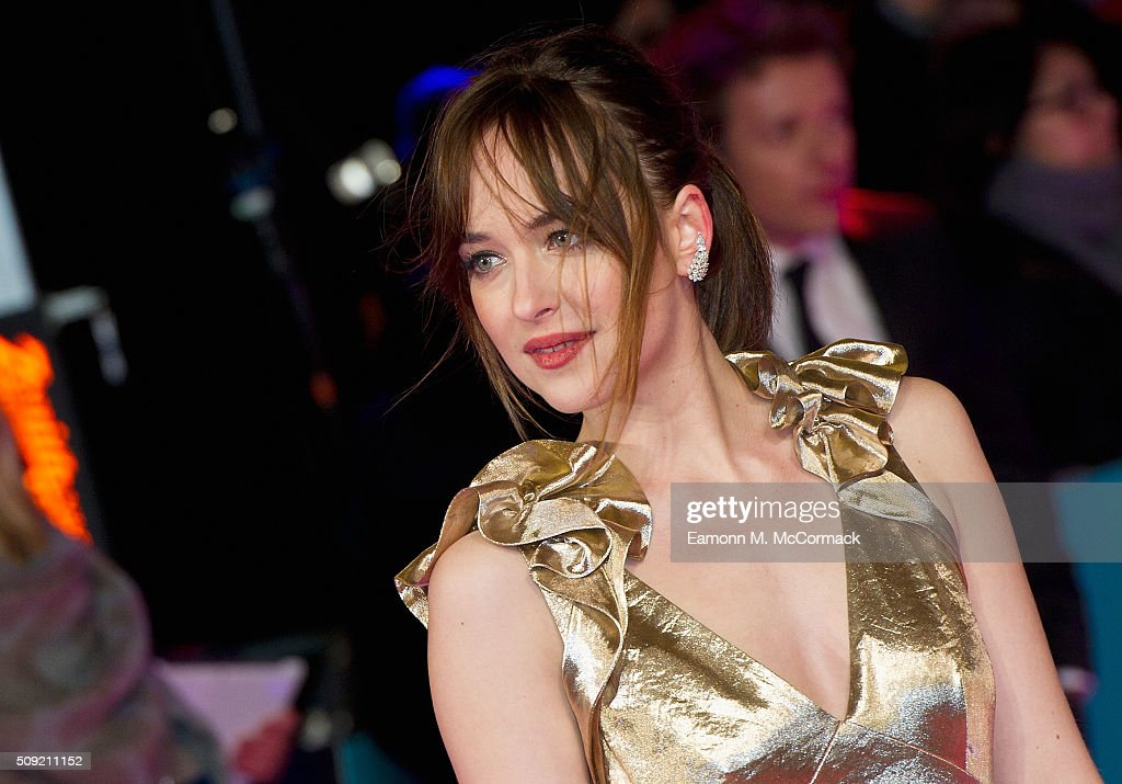 <a gi-track='captionPersonalityLinkClicked' href=/galleries/search?phrase=Dakota+Johnson&family=editorial&specificpeople=2091563 ng-click='$event.stopPropagation()'>Dakota Johnson</a> attends the European Premiere of 'How To Be Single' at Vue West End on February 9, 2016 in London, England.