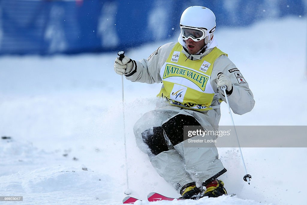 <a gi-track='captionPersonalityLinkClicked' href=/galleries/search?phrase=Dale+Begg-Smith&family=editorial&specificpeople=725004 ng-click='$event.stopPropagation()'>Dale Begg-Smith</a> of Australia competes during the 2010 Freestyle World Cup moguls competition at Whiteface Mountain on January 21, 2010 in Lake Placid, New York.