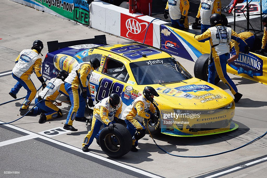 dale earnhardt jr driver of the 88 hellmann 39 s chevrolet pits. Cars Review. Best American Auto & Cars Review