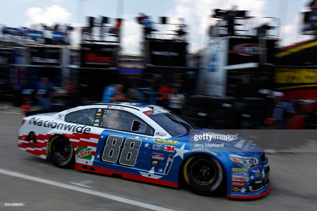 <a gi-track='captionPersonalityLinkClicked' href=/galleries/search?phrase=Dale+Earnhardt+Jr.&family=editorial&specificpeople=171293 ng-click='$event.stopPropagation()'>Dale Earnhardt Jr.</a> drives the #88 Nationwide Chevrolet through the garage area during practice for the NASCAR Sprint Cup Series Coca-Cola 600 at Charlotte Motor Speedway on May 27, 2016 in Charlotte, North Carolina.