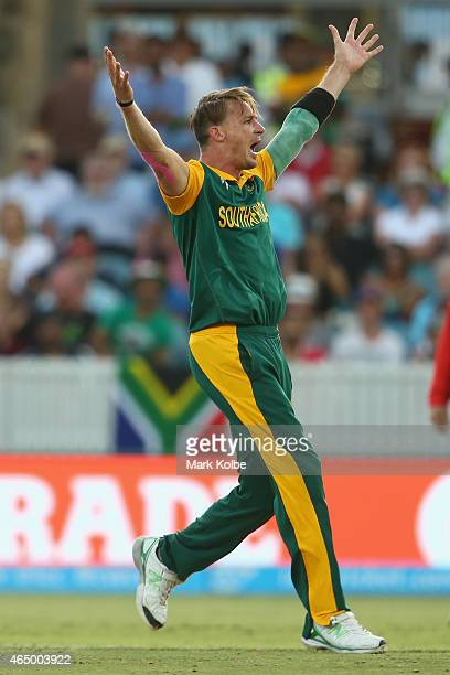 Dale Steyn of South Africa appeals for the wicket of Paul Stirling of Ireland during the 2015 ICC Cricket World Cup match between South Africa and...